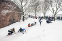 Wintersport in het Kronenburgerpark.