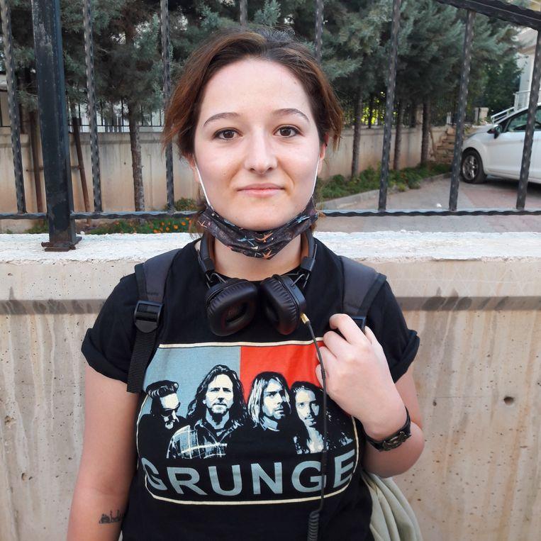 Tuba, student: 'Ik ben sjamanist, anarchist, feminist en hou van Amerikaanse sixtiesrock.' Beeld Rob Vreeken