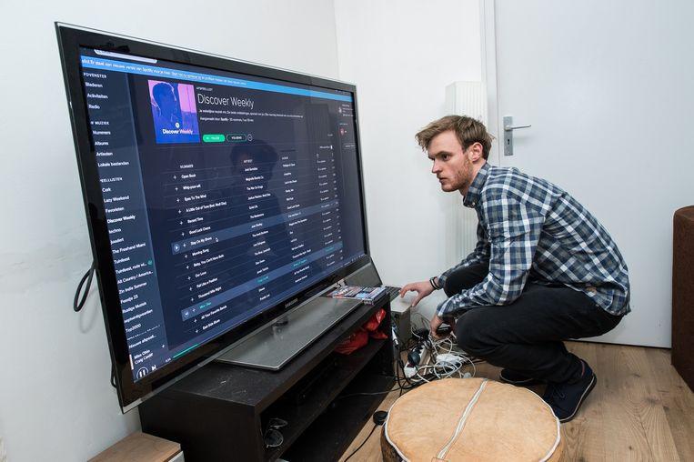Joep laat zijn muziekkeuze leiden door Discover Weekly van Spotify. Beeld Mats van Soolingen