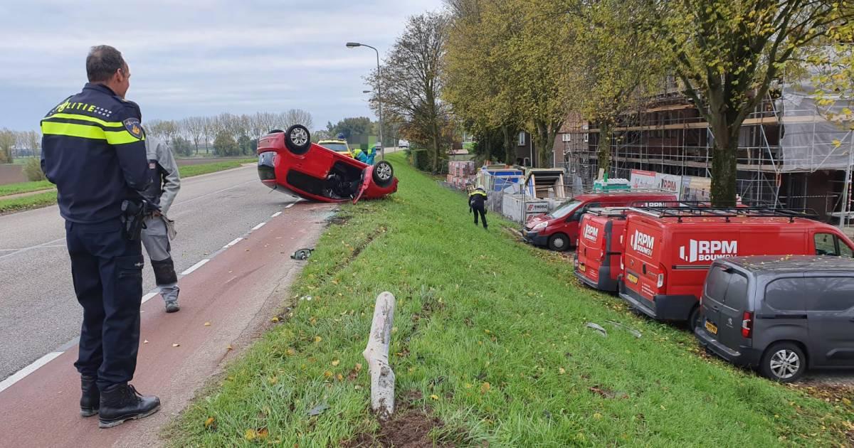 Auto belandt op de kop bij ongeval in Huissen, bestuurster gewond.