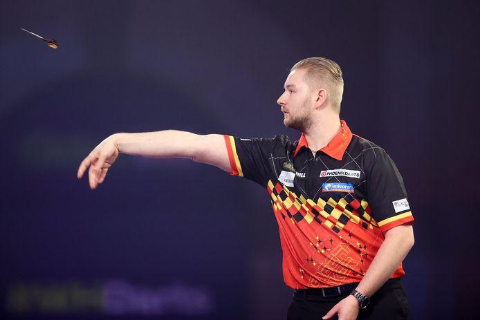 Dimitri Van den Bergh treft Chisnall in de achtste finales.