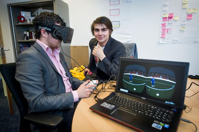 Giels Brouwer (links) met Anatoliy Babic, medeoprichter van SciSports.