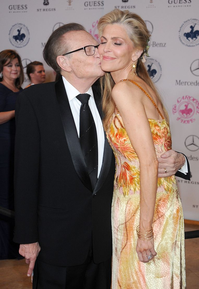 Larry King en Shawn King in 2014 tijdens de Carousel Of Hope Ball in Beverly Hills. Beeld WireImage
