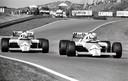 Alain Prost (links) en Niki Lauda - allebei coureurs van McLaren - vechten om de winst bij de Grand Prix van Zandvoort in 1985. Het is de eerste Formule 1-race die Peter van Egmond fotografeert: de foto haalde een autoblad.