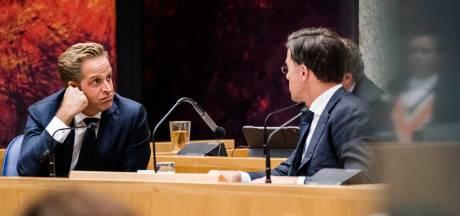 Oppositie bikkelhard over coronabeleid kabinet: 'Chaos en smerige spelletjes'