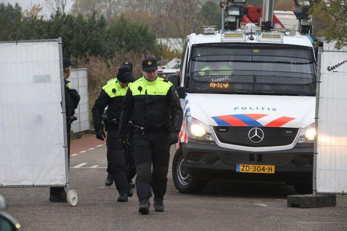 De politie-inval bij het kamp in Lith.