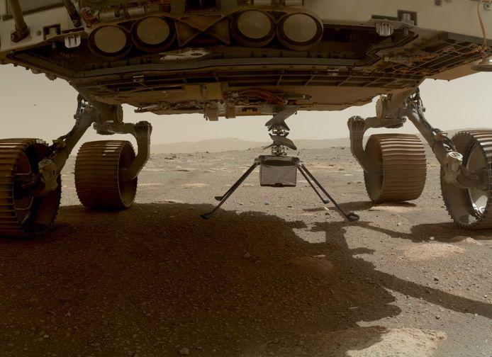Le mini-hélicoptère de la Nasa Ingenuity vient de s'en détacher du rover Perseverance.