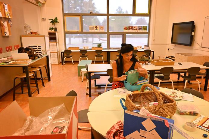 Juf Marieke Jansen is nog volop bezig met de voorbereiding voor aankomend schooljaar.