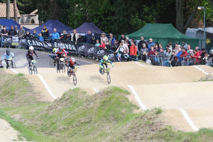 BMX Dennenteam Keerbergen ontvangt 560 bikers en meer dan duizend toeschouwers op Vlaams kampioenschap