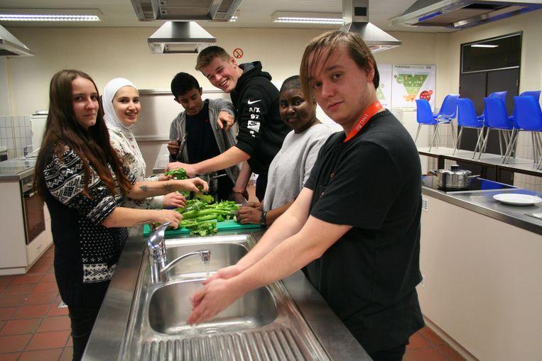 De leerlingen kookten zelf hun potje
