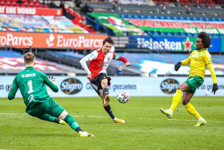 Steven Berghuis van Feyenoord scoort de 2-0. Beeld ANP