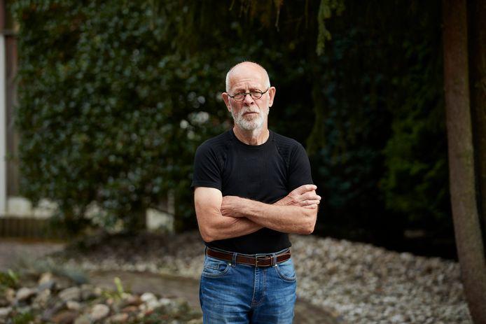 Herman Reinderink (73) uit Lochem koos eieren voor zijn geld en besloot - na maanden op een wachtlijst te hebben gestaan voor een nieuwe heup - een operatie te plannen in Duitsland.
