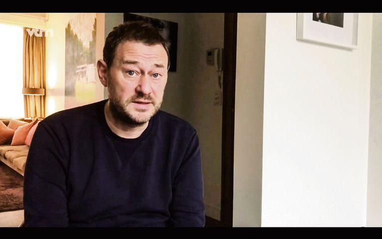 Beeld uit de video waarin Bart De Pauw uitlegt dat de VRT de samenwerking met hem stopzet na klachten over grensoverschrijdend gedrag. Beeld Vrt