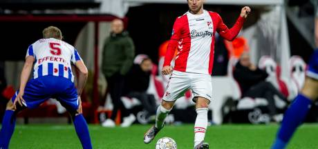 Profvoetballers organiseren voetbalkamp in Spijkenisse: 'Het gaat vooral om het plezier'