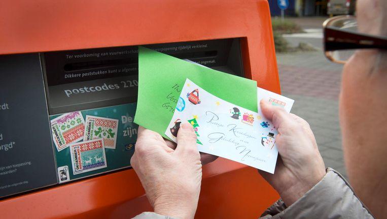 De postzegel voor brieven in Nederland kost nu nog 0,83 euro. Beeld anp