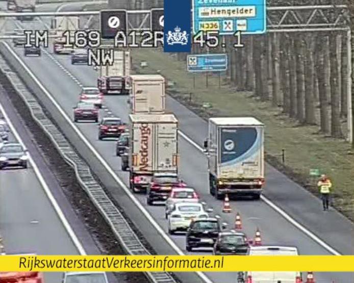 Vrachtwagen met pech op de A12