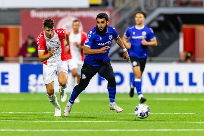 Soufyan Ahannach in actie namens FC Den Bosch in de verloren uitwedstrijd tegen FC Emmen van afgelopen vrijdag (2-0).   during the match Emmen - Den Bosch