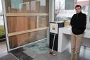 Carl Willaert werd ook in het verleden verschillende keren geconfronteerd met (zware) criminaliteit. In maart 2012 (foto) was zijn winkel het doelwit van hondsbrutale ramkrakers. Geen drie weken voordien was dat ook al het geval.