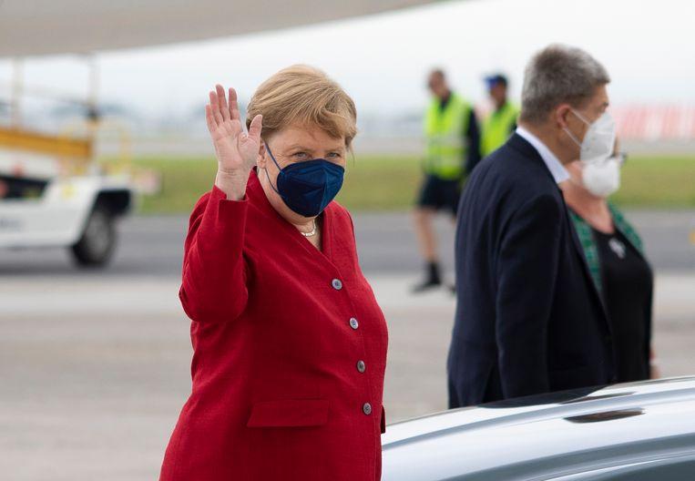 Merkel komt aan op de G7-top in Cornwall. Beeld EPA