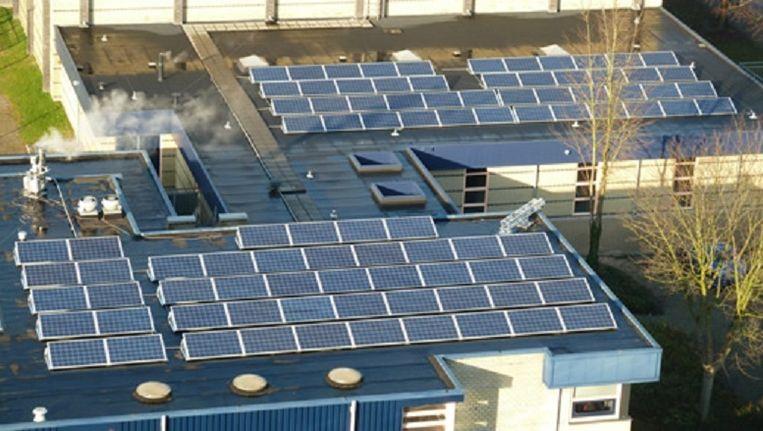 Een iets groter project dan een particuliere 6-panelenset, zoals hier in Nijmegen, heeft al gauw heel veel baat bij de 'btw-verlaging'. Beeld 4NewEnergy