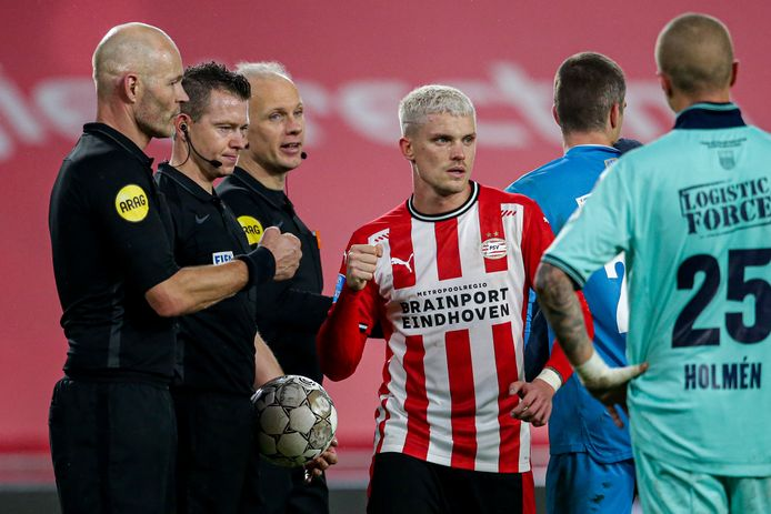 Logistic Force blijft nog een jaar langer als rugsponsor bij de uitwedstrijden aan Willem II verbonden.