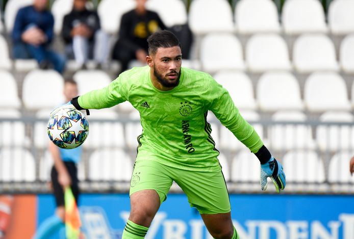 Issam El Maach in zijn tijd bij Ajax.