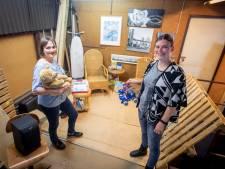 Lief! Noabers voor Noabers uit Nijverdal schenkt kinderen tasjes vol leuke cadeautjes