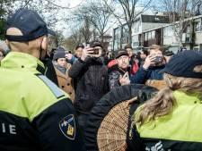 Honderden demonstreren rustig in Amsterdam en Amstelveen tegen coronabeleid