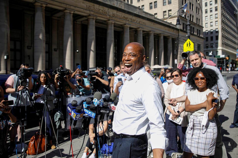 Eric Adams in juni bij een persconferentie in stadsdeel Brooklyn. Beeld Reuters