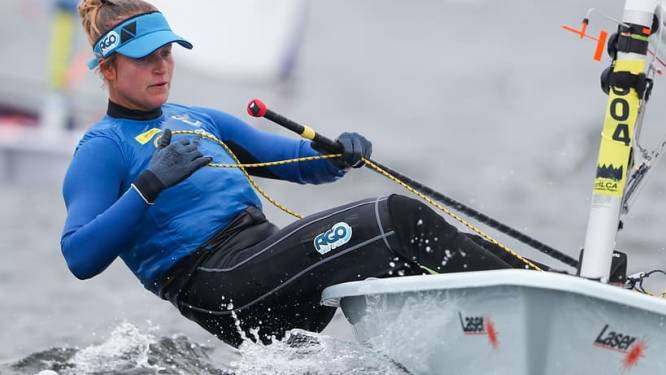 """Emma Plasschaert op medaillejacht in het zeilen, wat kost dat? """"Denk nu niet: 'Oei, die sport is veel te duur'"""""""