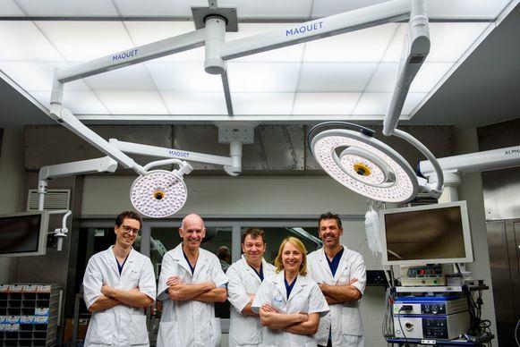 De vijf artsen van het verenigde buikwandcentrum
