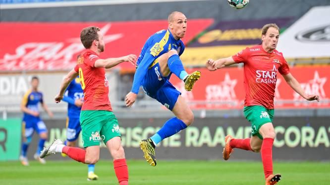 """Maxime D'Arpino en Brecht Capon (KV Oostende) balen na verlies tegen Waasland-Beveren: """"Drie punten verloren, maar play-off 1 niet"""""""