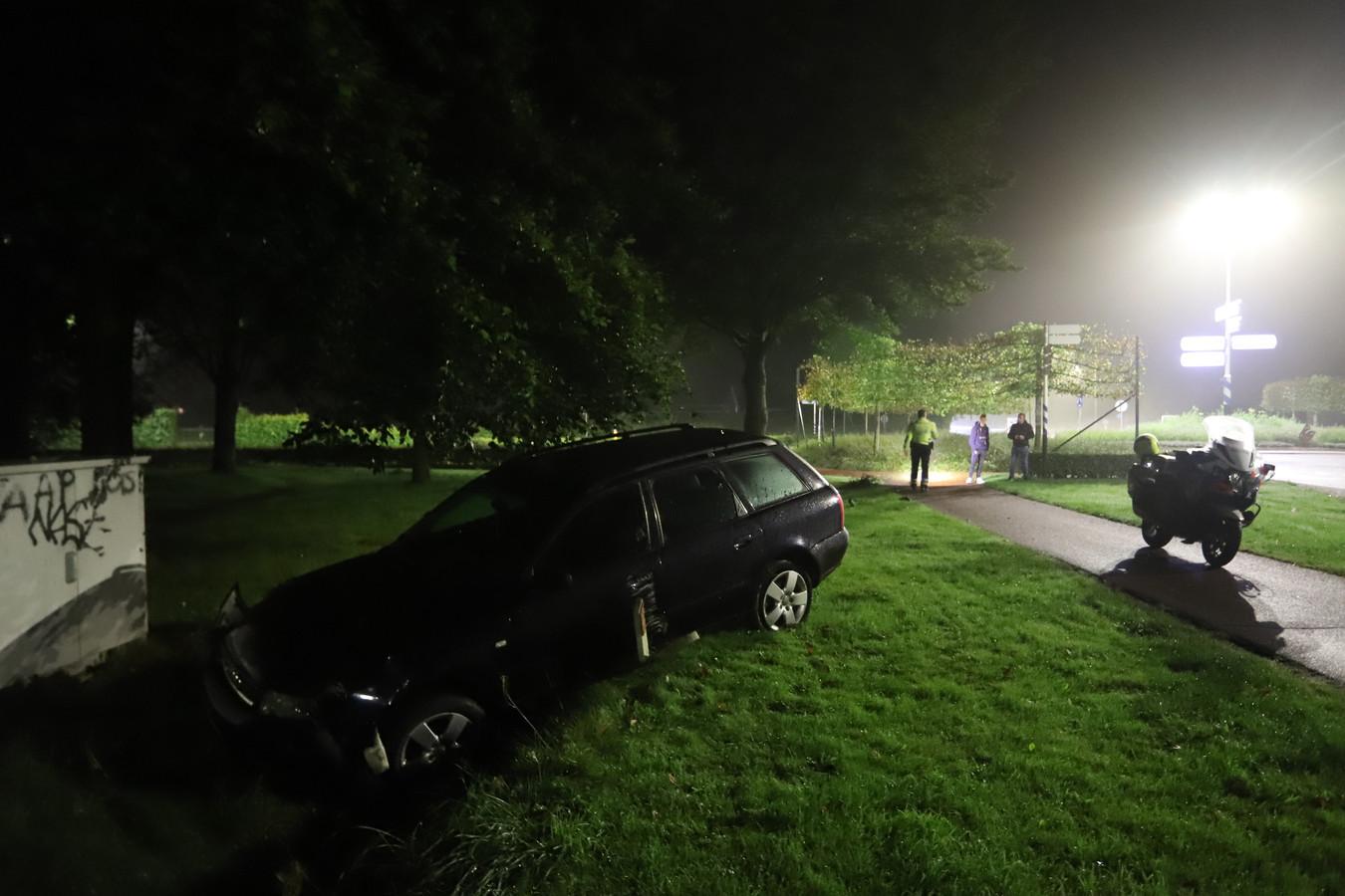De auto belandde in een greppel.