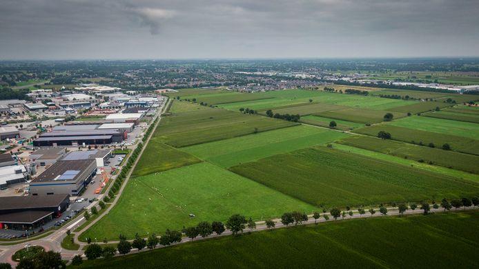 Staphorst schreeuwt om bedrijventerrein. Met de 18 hectare van De Esch IV langs de huidige industrieterreinen kan aan een deel van de wensen tegemoet worden gekomen.