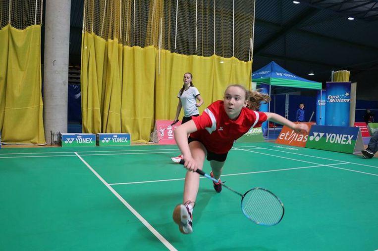 Lore Pooters en clubgenoten van Badminton Buggenhout sleepten tijdens het PK en BK heel wat medailles binnen.