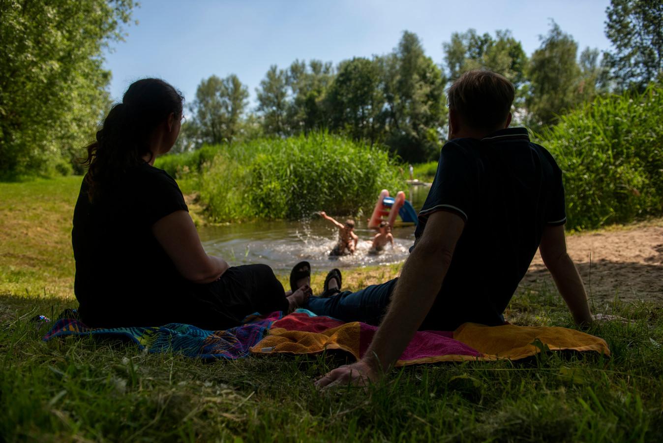 Nakation is een snelgroeiende trend in de toeristenindustrie. Ook bij millennials. Bij de vereniging Mens en Natuur in Zevenbergen hebben ze vorig jaar een handvol jonge gezinnen verwelkomd.