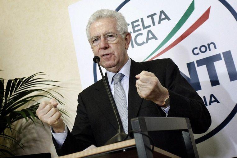 De vertrekkende Italiaanse premier Mario Monti. Beeld epa