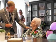 Janna Vos-Vermeer is 107 jaar én de oudste inwoner in de Hoeksche Waard