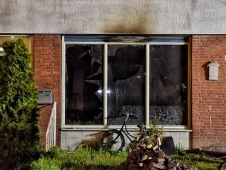 Vader redt zijn twee kinderen en zichzelf bij felle woningbrand