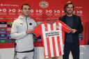 Ruim zeven maanden geleden legde PSV de Duitser Mario Götze vast. Nu begint alles weer van voren af aan.