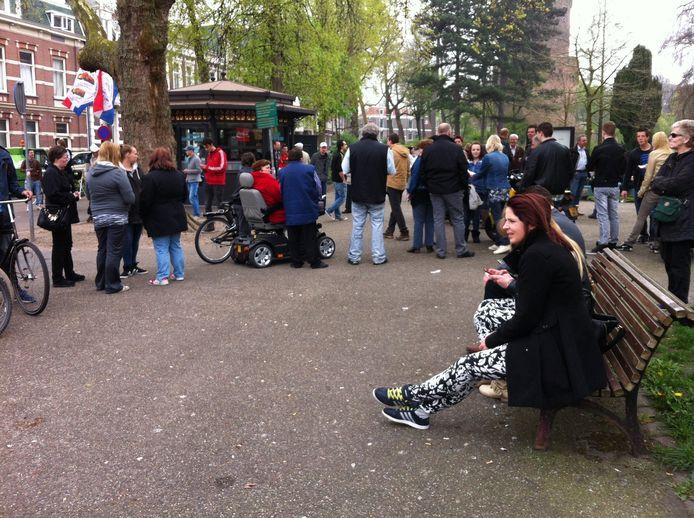 Demonstranten verzamelen bij het Joris Ivensplein. Foto: DG