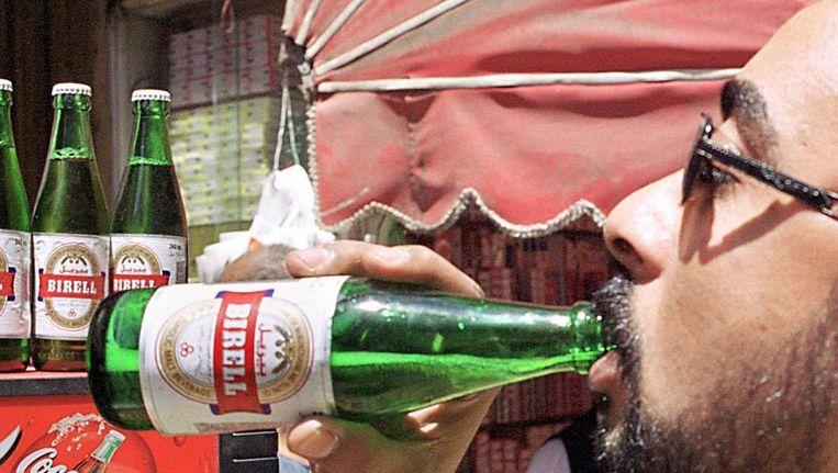 Birrel is in opmars in Egypte. Het is alcoholvrij bier. Beeld anp