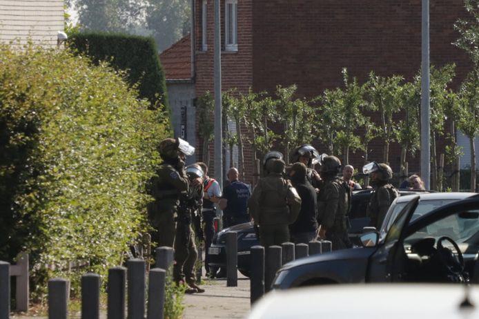 De speciale eenheden van de federale politie drongen rond half elf de woning binnen.