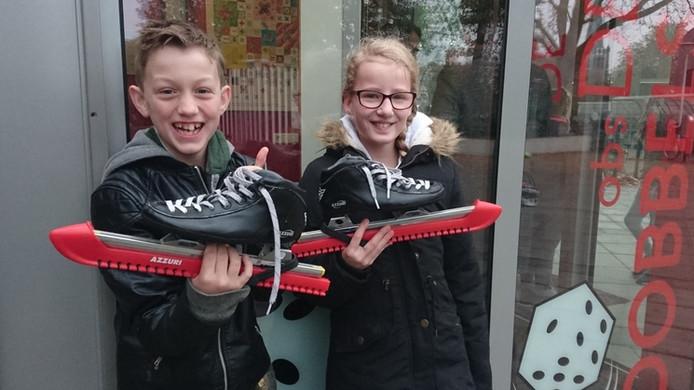 Falco van Riemsdijk (11) uit Hoogerheide gaat vrijdag schaatsen met zijn klasgenootje Keona van Broekhoven, die lijdt aan cystic fibrosis. Ze willen geld inzamelen voor de stichting NCFS, die onderzoek doet naar deze taaislijmziekte.