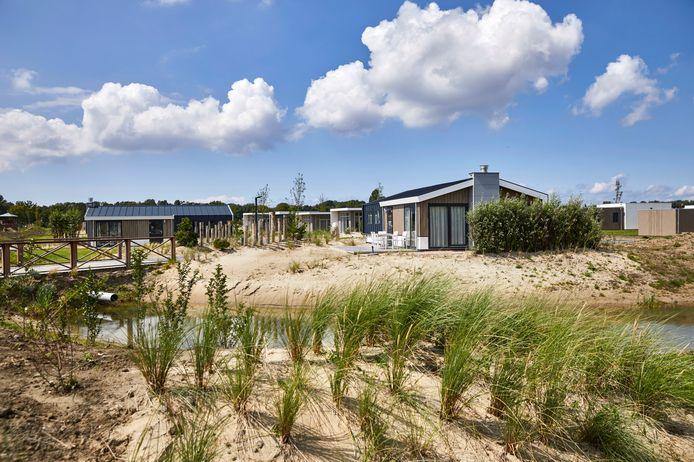 In sommige vakantieparken worden nu ook arbeidsmigranten gehuisvest. Minister Ollongren heeft er geen problemen mee als vakantiehuisjes die langere tijd leeg staan beschikbaar worden voor permanente bewoning.