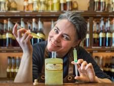 Distilleerderij Museum Van Kleef heeft eigen 'vaccin' gelanceerd: 'Enige bijwerking is een licht rozig effect'