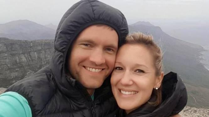 Vrouw (31) stort te pletter nadat ze met echtgenoot selfie maakte op klif