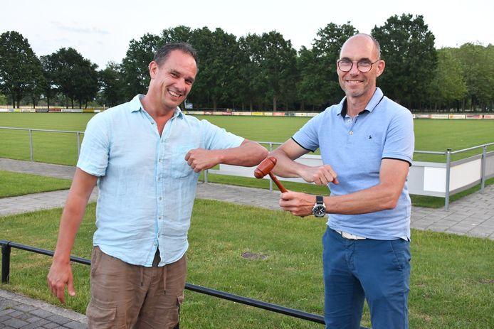 Sander Joosten en rechts de nieuwe voorzitter Paul Braam.