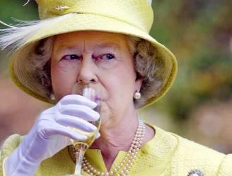 """Man van prinses Beatrice verklapt: """"Queen Elizabeth heeft geheime tunnel naar één van de beste bars in Londen"""""""