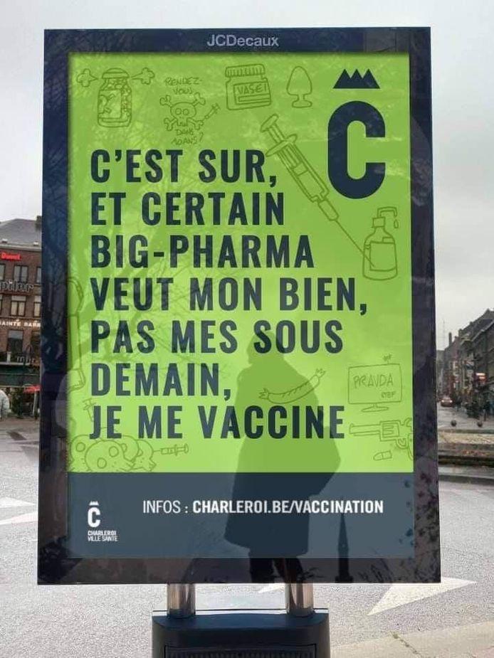 Fausse affiche au sujet de la vaccination à Charleroi